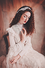 Ozdoby do vlasov - biela čipkovaná tiara/choker white dream -
