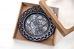 Nádoby - Kobaltový čipkovaný dvojradový tanier v krabičke - 10286548_