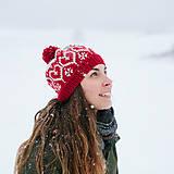 Čiapky - červená čiapka so srdiečkami - 10285883_
