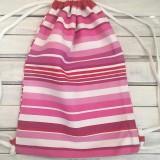 ružový pásikavý batoh