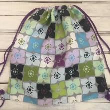 Batohy - veselý fialový kvetovaný batoh - 10287028_