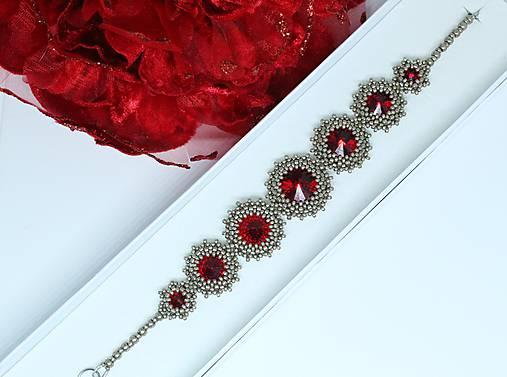 ee90967ee Ručne šitý náramok so Swarovski® kryštálmi / červená / Milayla ...