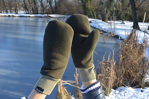 Dámske zimné rukavice palčiaky zelenej farby   Rencissa - SAShE.sk ... bb186508826