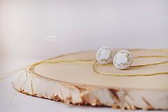 Náušnice - Zlato - modré venčeky v bielom objatí - malé - 10289445_