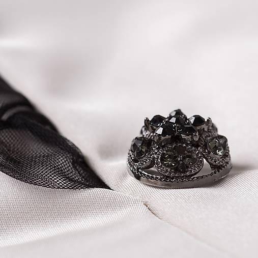 d4eb0b2521 Dámske sako s ozdobnou sieťkou smotanové à la Chanel   PLZR - SAShE ...