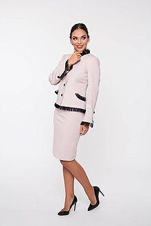 Kabáty - Dámske sako s ozdobnou sieťkou púdrové à la Chanel - 10291772_