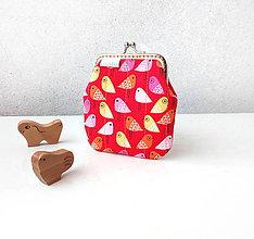 Peňaženky - Peňaženka Vtáčiky na červenej - M - 10290187_