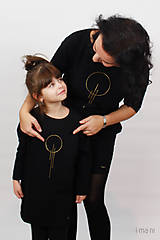 Detské oblečenie - Detské šaty s vreckami čierne z teplákoviny M15 IO23 - 10290802_