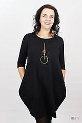Šaty - Dámske šaty s vreckami čierne z teplákoviny M08s IO24 - 10290845_