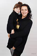 Šaty - Dámske mikinové šaty s predným vreckom čierne z teplákoviny M16 IO25 - 10290893_