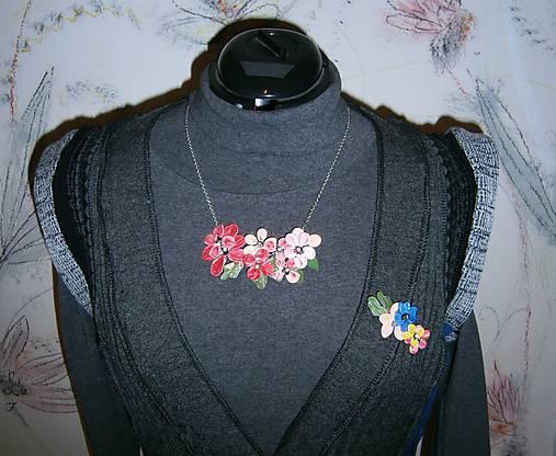 lel,náhrdelník flowers malinový folk