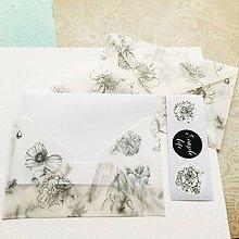 Papier - polopriehľadná papierová obálka Čiernobiele kvety - 10292365_