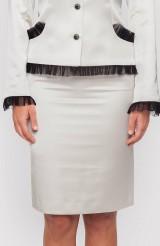 Dámska sukňa smotanová s úzkym páscom