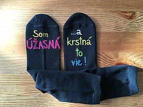 """Topánočky - Maľované ponožky s nápisom: """"Som úžasný(á)/aj krstná to vie"""" - 10292462_"""