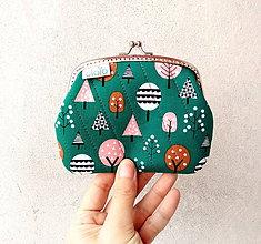 Peňaženky - Peňaženka XL Stromy na zelenej - 10292013_