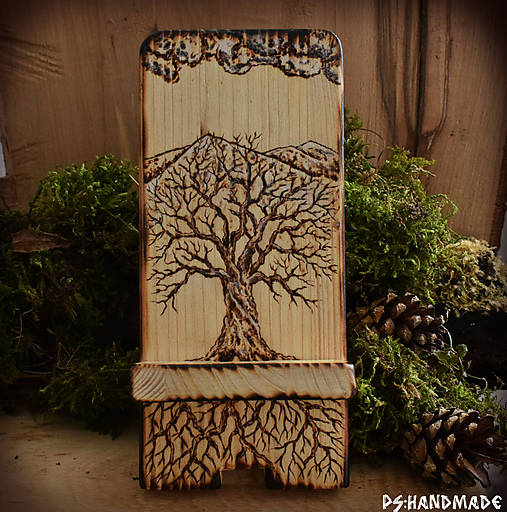 Stromčekový stojan na mobil