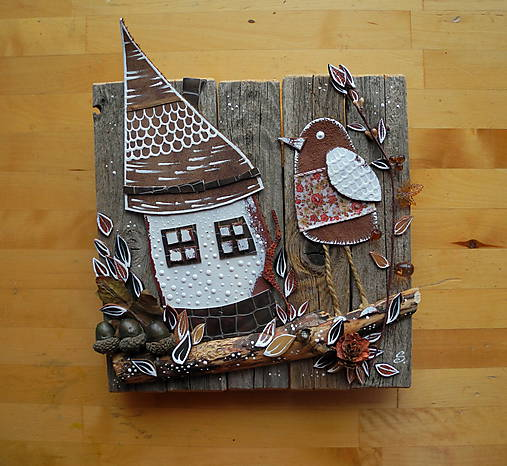 Drev. dekorácia Domček s bodkami