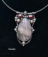 Náhrdelníky - Královský - růženín, perla - 10296207_