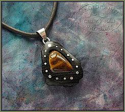 Náhrdelníky - 558. Dřevěný náhrdelník GRENADILL - TYGŘÍ OKO - 10296167_