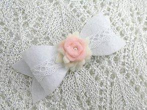 Detské doplnky - Detská sponka (biela mašlička s ružičkami) - 10298020_