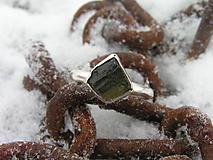 Strieborny prsteň Ag925 Vltavín