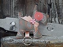 Kľúčenky - Prívesok na kľúče - šedý psík - 10297899_