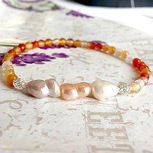 Náramky - Freshwater Pearl & Faceted Carnelian Elastic Delicate Bracelet ag925 / Jemný náramok oválne perly ,brúsený karneol #1433 - 10300233_