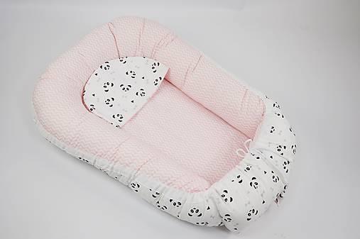 Hniezdo pre bábätko ružový chevron s pandami s ružovými líčkami