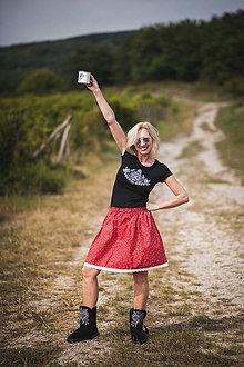 Sukne - Ľudová detská suknička s čipkou - 10300717_