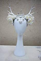 Ozdoby do vlasov - Kvetinová koruna s bielým parožím - 10302595_