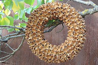 Dekorácie - Prírodný veniec Fagus (So zlatými odleskami) - 10301133_