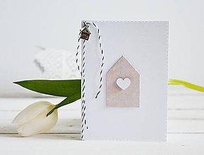 Papiernictvo - Minimalistický pozdrav - domček so srdiečkom - 10305578_