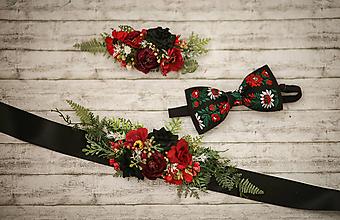 Ozdoby do vlasov - Folk kvetinový set červeno-čierny (Opasok, polvenček, motýlik) - 10305280_