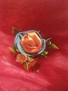 Odznaky/Brošne - brošňa plná ruží - 10303442_