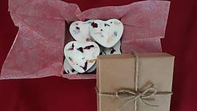 Svietidlá a sviečky - Čajová sviečka zo sójového vosku - srdiečko darčekové balenie - 10304687_