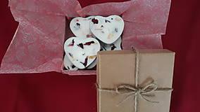 Svietidlá a sviečky - Čajová sviečka zo sójového vosku - srdiečko darčekové balenie - 10304696_