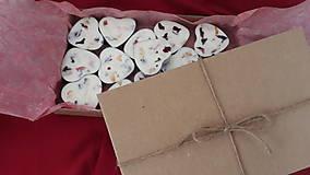 Svietidlá a sviečky - Čajová sviečka zo sójového vosku - srdiečko darčekové balenie - 10304703_