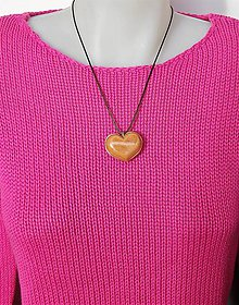 Náhrdelníky - Drevený náhrdelník  - Hranica medzi dvoma srdcami - 10305087_