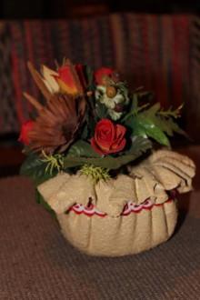 Nádoby - Roztomilý kvetináčik s folklórnou stužkou - 10305967_