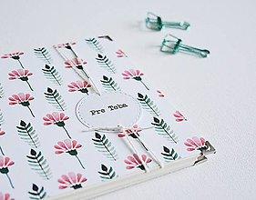 Papiernictvo - Mini album - kvetiny 15 x 15 cm - 10309551_