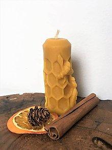 Svietidlá a sviečky - viečka zo 100% včelieho vosku - úľ - 10309112_