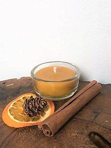 Svietidlá a sviečky - Čajová sviečka zo 100% včelieho vosku v skle - 10309122_