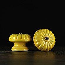 Nábytok - Úchytka - knopka žlutá- vzor č. 5 velký - 10311066_
