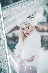 Ozdoby do vlasov - Kvetinová koruna s bielým parožím - 10307744_