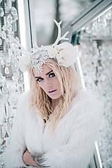 Ozdoby do vlasov - Kvetinová koruna s bielým parožím - 10307746_