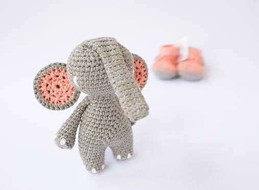 sloník (lososovo ružové ušká)