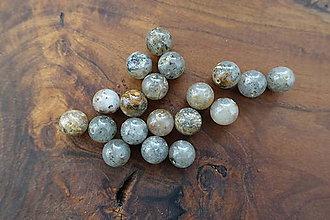 Minerály - Kremeň s prímesami iných minerálov (10mm) - 10309261_