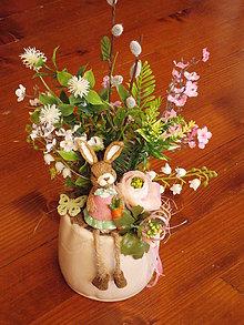 Dekorácie - Veľkonočná dekorácia s čerešňami a zajačikom - 10309412_