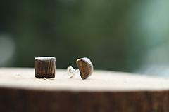 Náušnice - Drevené náušnice- hranatý orech - 10314314_