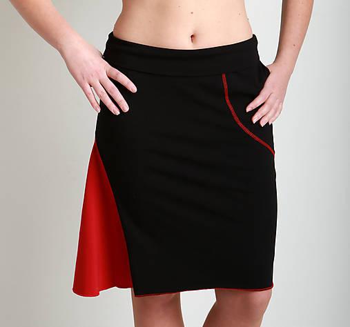 Sukně černočervená...